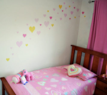 Hearts removable wall stickers in child's room