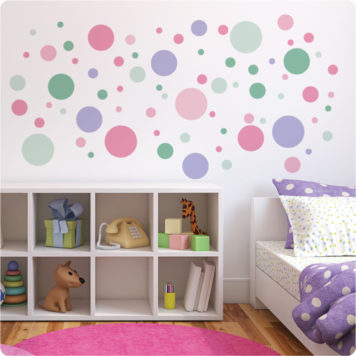 Polkadots removable wall stickers in kid's room